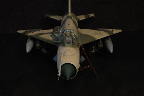 Trumpeter 1/32 Iraqi MiG-21MF   Large Scale Planes