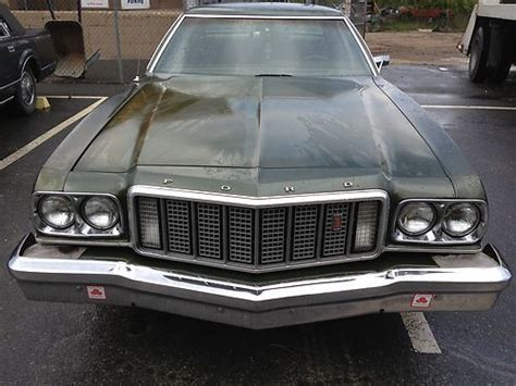 Sell used 1976 Ford Torino Base Hardtop 4-Door 5