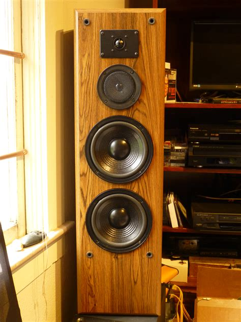 Need help identifying these KLH towers - KLH - The Classic