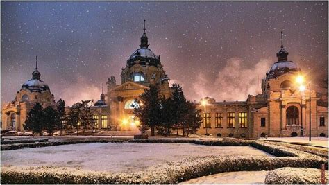 Winter at the Széchenyi Thermal Bath in #Budapest, #