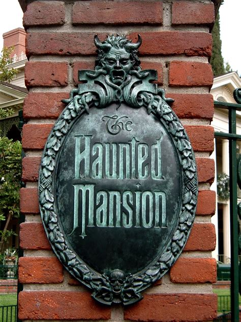 Haunted Mansion — Wikipédia