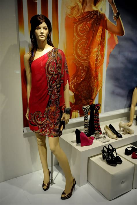 » Le Chateau window with almost living mannequins